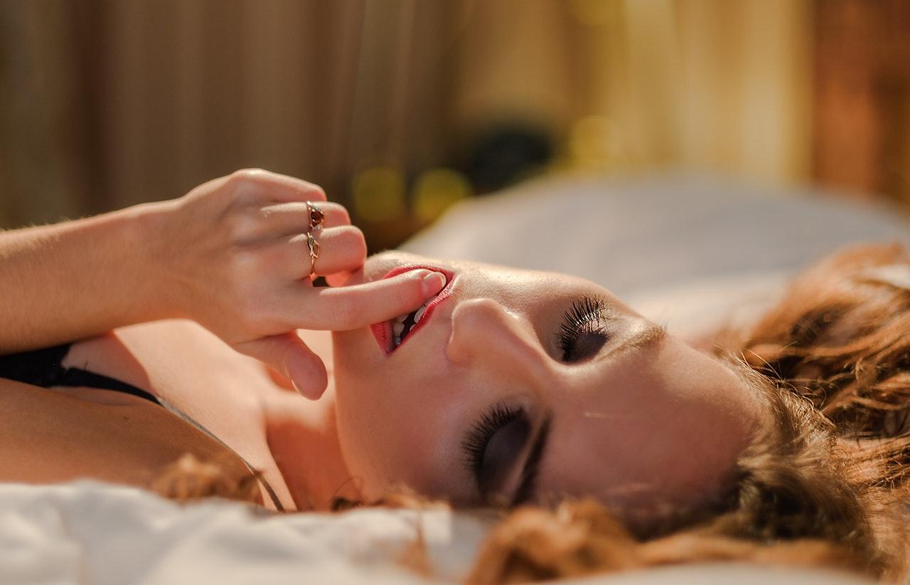 Nu stii ce cadou sa ii iei de ziua ei? Trimite-o la masaj erotic!