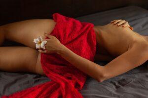 masaj erotic Iulia